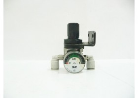 Pneumatic Regulator with Gauge, G27-10-R1, SMC, Japan (14 Days Warrenty on Entire Stock)